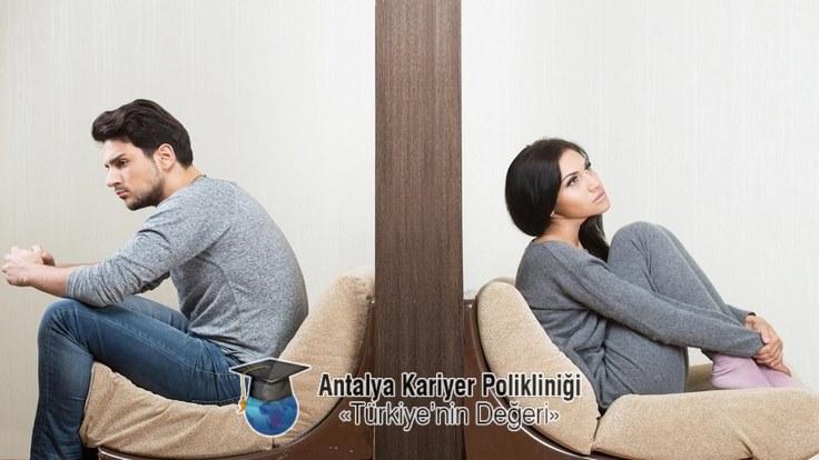 Boşanma Danışmanlığı Unutmayın size bir telefon kadar yakınız. +90 535 880 42 98