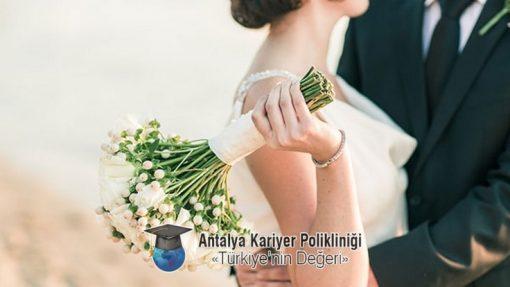 Evlilik Öncesi Danışmanlık Unutmayın size bir telefon kadar yakınız. +90 535 880 42 98