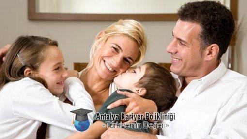 Mutlu Aile Danışmanlığı Unutmayın size bir telefon kadar yakınız. +90 535 880 42 98